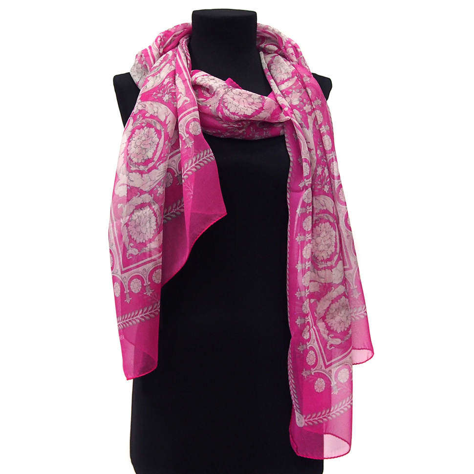 Светло-сиреневый шарфик с красивым орнаментом Versace 815769