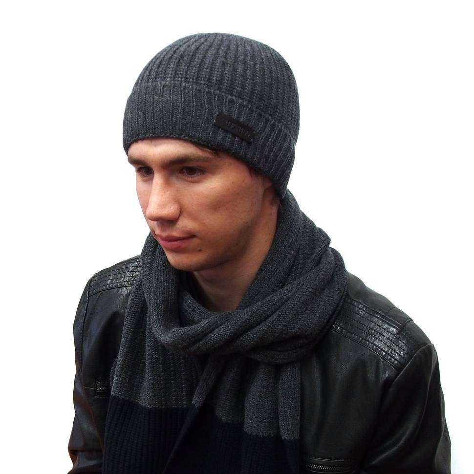 Стильная серая вязанная шапочка от Valentino 821263